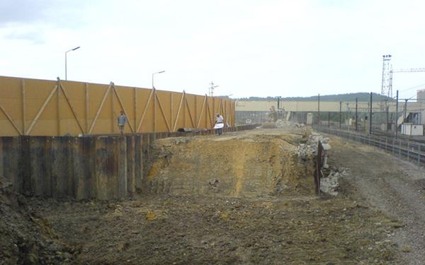 Structures du mur de Palplanche en porte-à-faux