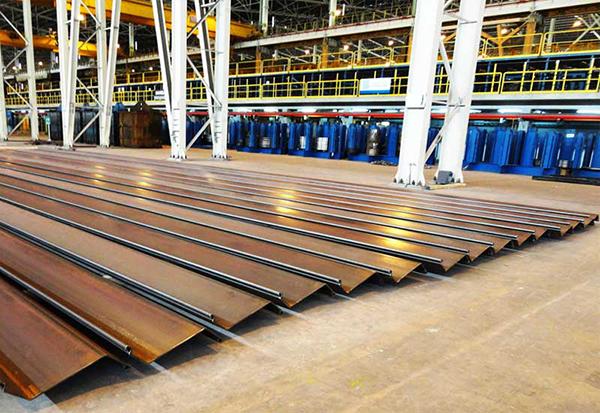 Stabilité de la fondation Breakwater renforcée avec Palplanches en acier sous Dynamic Loading